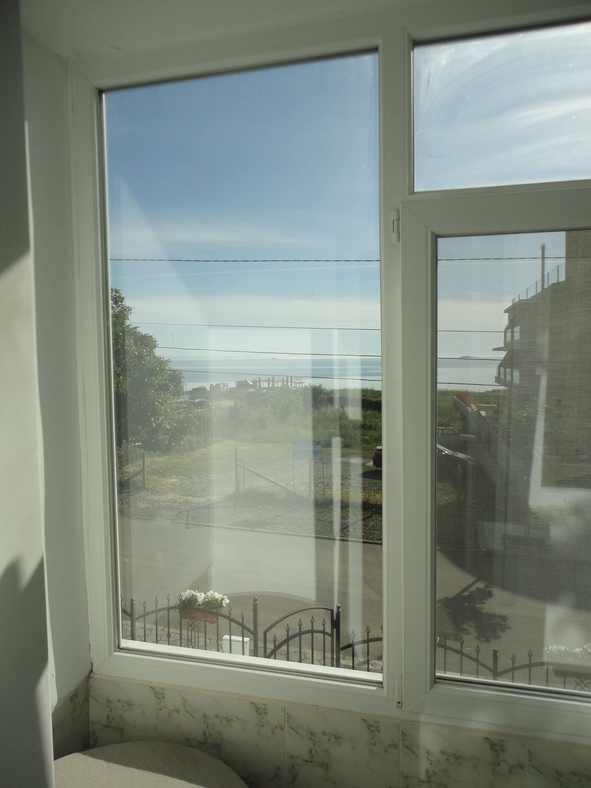 Галерия - в прозорците